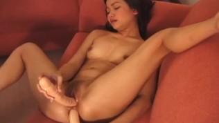 एमेच्योर एशियाई के साथ डिल्डो सेक्स
