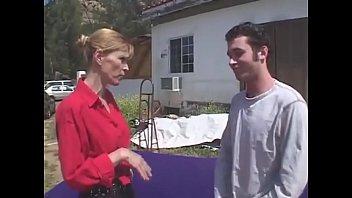 बेटा अपनी माँ को चोदो
